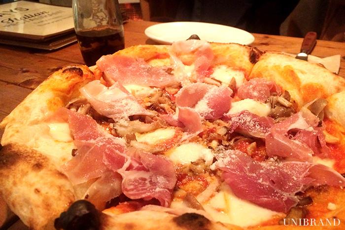 中目黒DAYSきのこたっぷりピザ